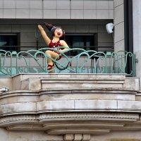 Весёлая Наннет. Балкон отеля Медитерране :: Nina Karyuk
