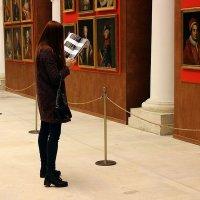 В музее :: dindin