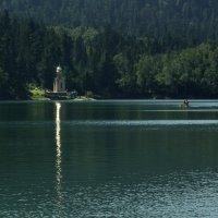 Изумрудное озеро :: Галина Козлова