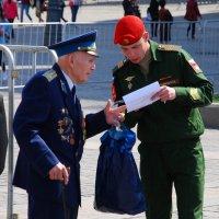 В нашей стране настоящая бумажка - это Броня!!! :: Арина Невская