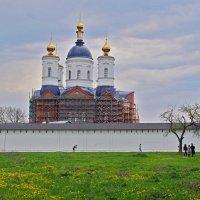 Весенний Свенский монастырь :: Дубовцев Евгений