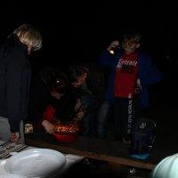 Вспышки в ночи - поиск мяса на решётке  ) :: Вячеслав Случившийся
