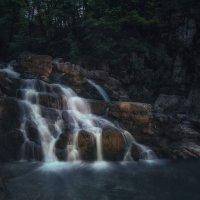 В сумерках у водопада... :: Александр К.