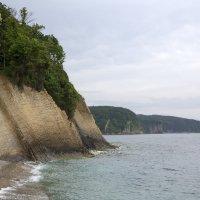 Пасмурные скалы :: Леонид