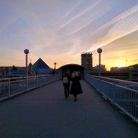 Идти вдвоем... куда-то... налегке, без спешки, наслаждаясь каждым шагом ... :: Татьяна Котельникова