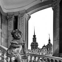 ОДА КРАСИВОМУ ГОРОДУ.  По дождливому Дрездену. :: Виталий Половинко