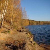 Осенью на озере :: Татьяна Георгиевна