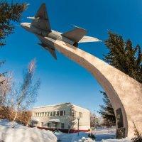 МиГ - 21  на  пъедестале :: Александр Паклин