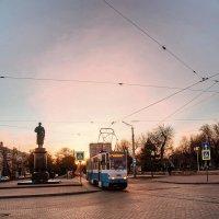 Центральный вечер Евпатории... :: Сергей Леонтьев