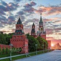 Башни Кремля на закате :: Юлия Батурина