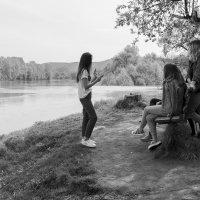 Русалки у воды :: Валерий Михмель