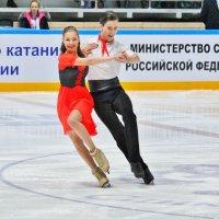 Оригинальный танец. :: Евгений Яхим