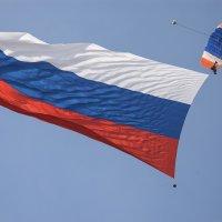 Флаг России в полёте. :: Игорь Олегович Кравченко