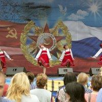 Праздничный концерт. 9 мая в приморском городе :: Леонид