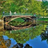 Отражения милого мостика... :: Sergey Gordoff