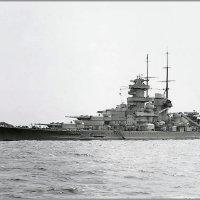 "German battlecruiser ""Gneisenau"" anchored at Kiel, June 1939. :: Александр"
