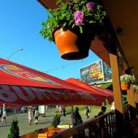 Уличное кафе :: Александр Сапунов