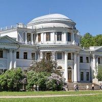 Летний императорский дворец на Елагине острове в Санкт-Петербурге :: Сергей
