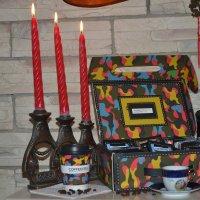 Горели свечи на столе и кофе в чашке остывало. :: Михаил Столяров