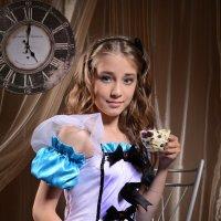 Алиса :: Юлия Хапугина