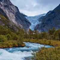 река у ледника Бригсдаль :: михаил