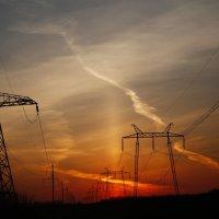 Закат на высоковольтной :: Ильгам Кильдеев