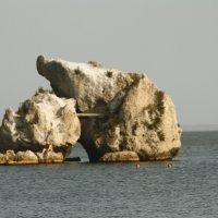 Камни в воде) :: roberto carlos