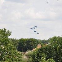 «Русские витязи» над Белгородом :: Артём Васильченко