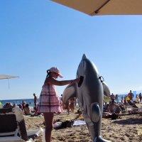 А не стать ли дрессировщицей дельфинов. :: Валерий Струк