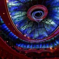 Зал цирка дю Солей (Cirque du Soleil) в отеле Беладжио. Лас Вегас :: Юрий Поляков