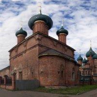 Храм Николы Мокрого...Ярославль.. :: leonid