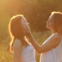 в солнечном свете :: Елена Сиднина