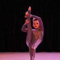 В танце. :: Александр Бабаев