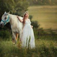 С любимой лошадкой :: Татьяна Бурыкина