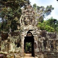 Ворота в храм. Комбоджа. :: Alex