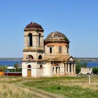 Заброшенный Храм Воскресения Христова :: Оксана Полякова