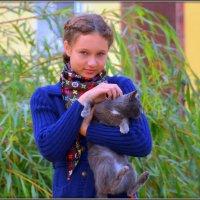 Девочка с кошкой :: Михаил