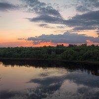 Вечер на Западной Двине. :: Елена Струкова