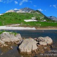 Озеро Псенодах в июне. Западный Кавказ, Адыгея. :: Михаил Шабанов