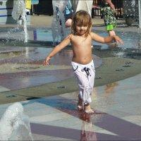 Танцы на фонтане! :: Надежда