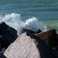 Волна и бьется и ревет...! :: Наталья