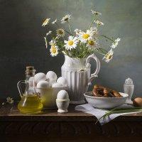 Летний натюрморт с яйцами :: Татьяна Карачкова