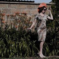 держите скорее шляпка улетает(не постановочное фото) :: Роза Бара