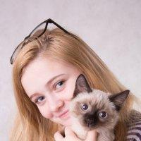 девочка и котенок :: Ольга Горд