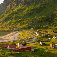 Норвежская деревушка на берегу Норвежского моря. :: Инта