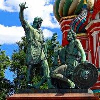 Памятник Минину и Пожарскому :: Лариса