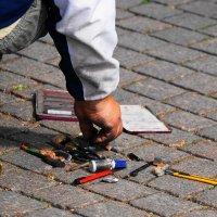 Инструмент уличного художника :: Виктор Никитенко