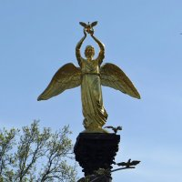 Добрый Ангел Мира :: Татьяна Смоляниченко