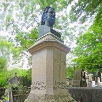 памятник Бальзаку на кладбище Пер-Лашез в Париже :: ИРЭН@ .