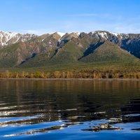 вдоль берега северного Байкала :: Георгий